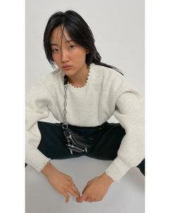 珍珠项链圆领套头衫