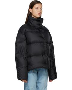 黑色绗缝羽绒夹克