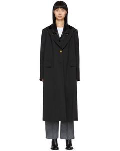 黑色西装大衣