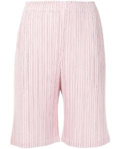褶饰及膝短裤