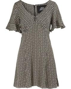 Short-sleeved silk dress
