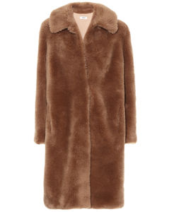 羊毛和羊毛皮大衣