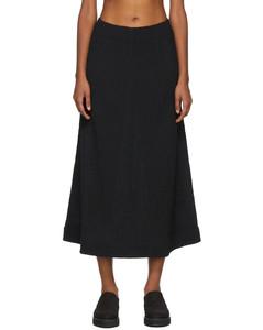 黑色褶裥半身裙