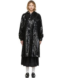 黑色徽标大衣