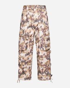 白色大廓形连衣裙