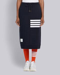 4條紋飾短裙