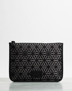 Victoire matelasséleather shoulder bag