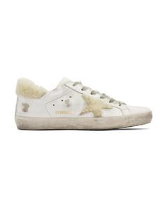 白色Superstar剪羊毛运动鞋