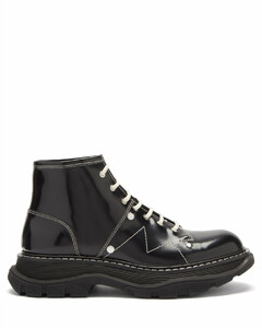 Tread exaggerated-sole leather ankle boots