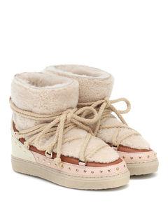 Curly Rock羊毛皮和皮革靴子