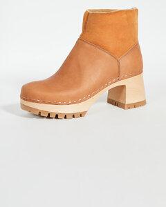 一脚蹬短靴