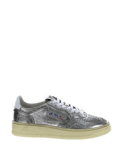 Low 01 sneakers by autry, in rippled effect laminate.