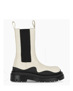 White The Tire boots