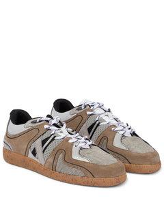 绒面革边饰复古运动风运动鞋