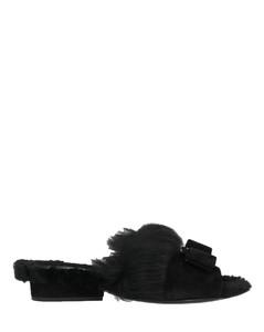 人造革靴子