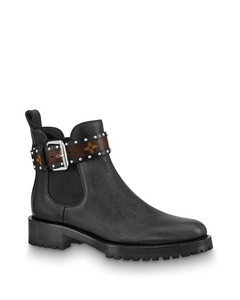 Discovery Flat Ankle Boot