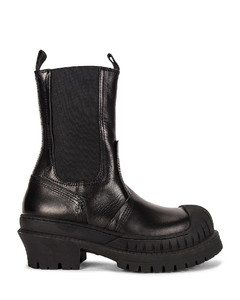 Lug Boot in Black