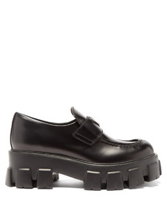 Triangle-plaque tread-sole leather loafers