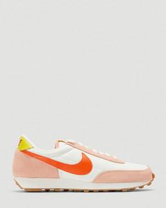 Daybreak Sneakers in Pink
