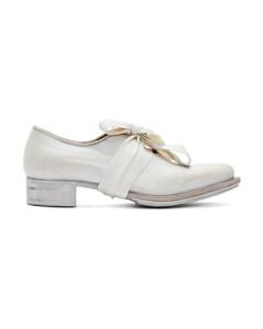 白色Pointy Bow德比鞋