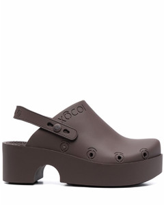 BV Curve leather sandals