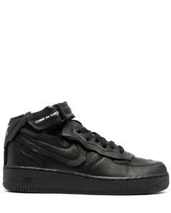 Cut Off Air Force 1板鞋