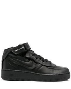 Cut Off Air Force 1板鞋