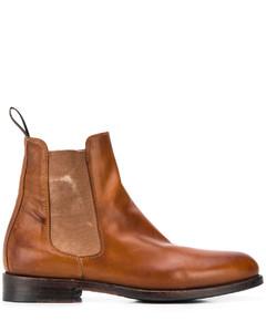 Classic II sheepskin boots