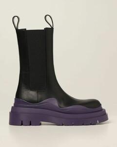 Tire boots in calfskin