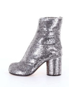 Tabi ankle boot in leather with sequins
