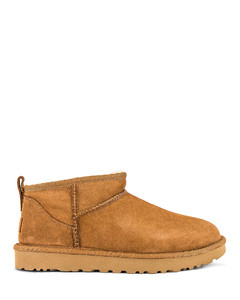 CLASSIC ULTRA MINI短靴