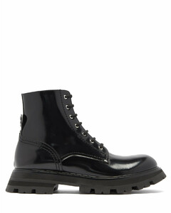 Wander exaggerated-sole leather boots