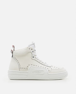 High laced sneaker