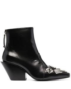 链式缀饰及踝靴