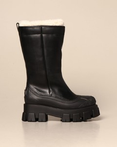Monolith leather boot with fur interior
