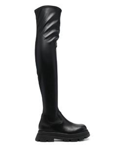 Polished Binder Chelsea Boot Brogue