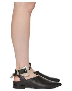 黑色搭扣凉鞋