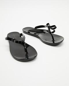 Heel-handle leather and neoprene boots