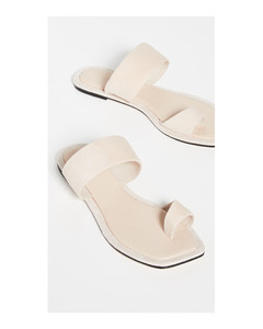 Sloan凉鞋