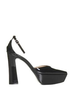 White and khaki classic sneakers