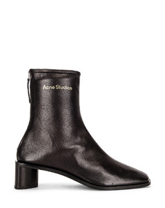 Pointed Ankle Boot in Black