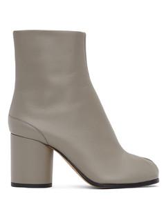 SSENSE发售灰色Tabi踝靴