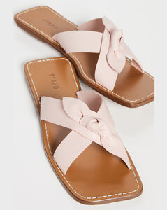 Lei凉鞋