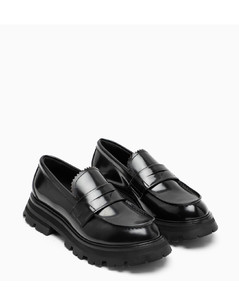 Wander black loafer