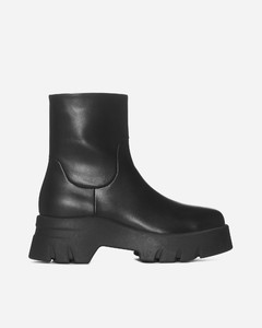 Leather Boots With Medium Heel