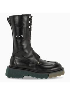 Black Sponge boots