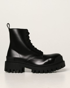 Strike leather ankle boot