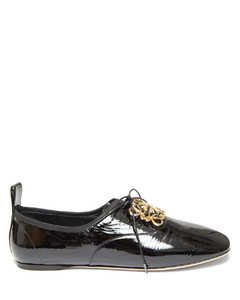 Anagram-embellished patent-leather shoes