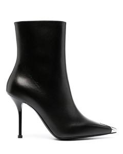 皮革和PVC材質涼鞋