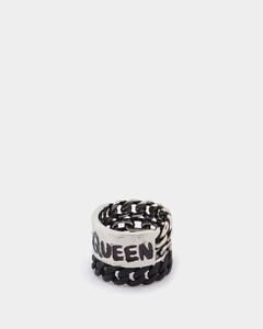 Black oversized sunglasses